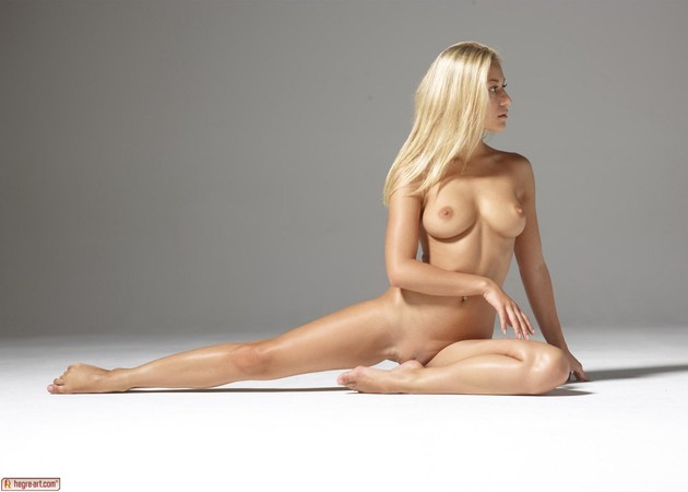 hegre-model-darina-showcases-her-divine-body-06